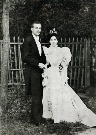 Alfred Van Cleef et Estelle Arpels le jour de leur mariage en 1895.jpg