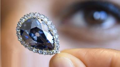 1526434751_farnese-blue-diamond-fetches-6-7m-at-geneva-auction.jpg