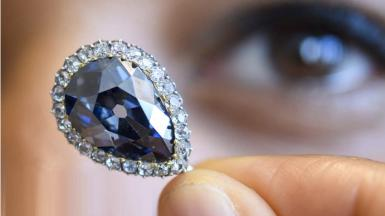 1526434751_farnese-blue-diamond-fetches-6-7m-at-geneva-auction.jpg