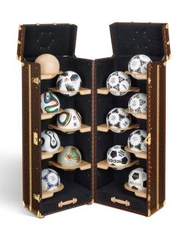 FIFA-World-CupTM-Official-Match-Ball-Collection-Trunk_OPEN